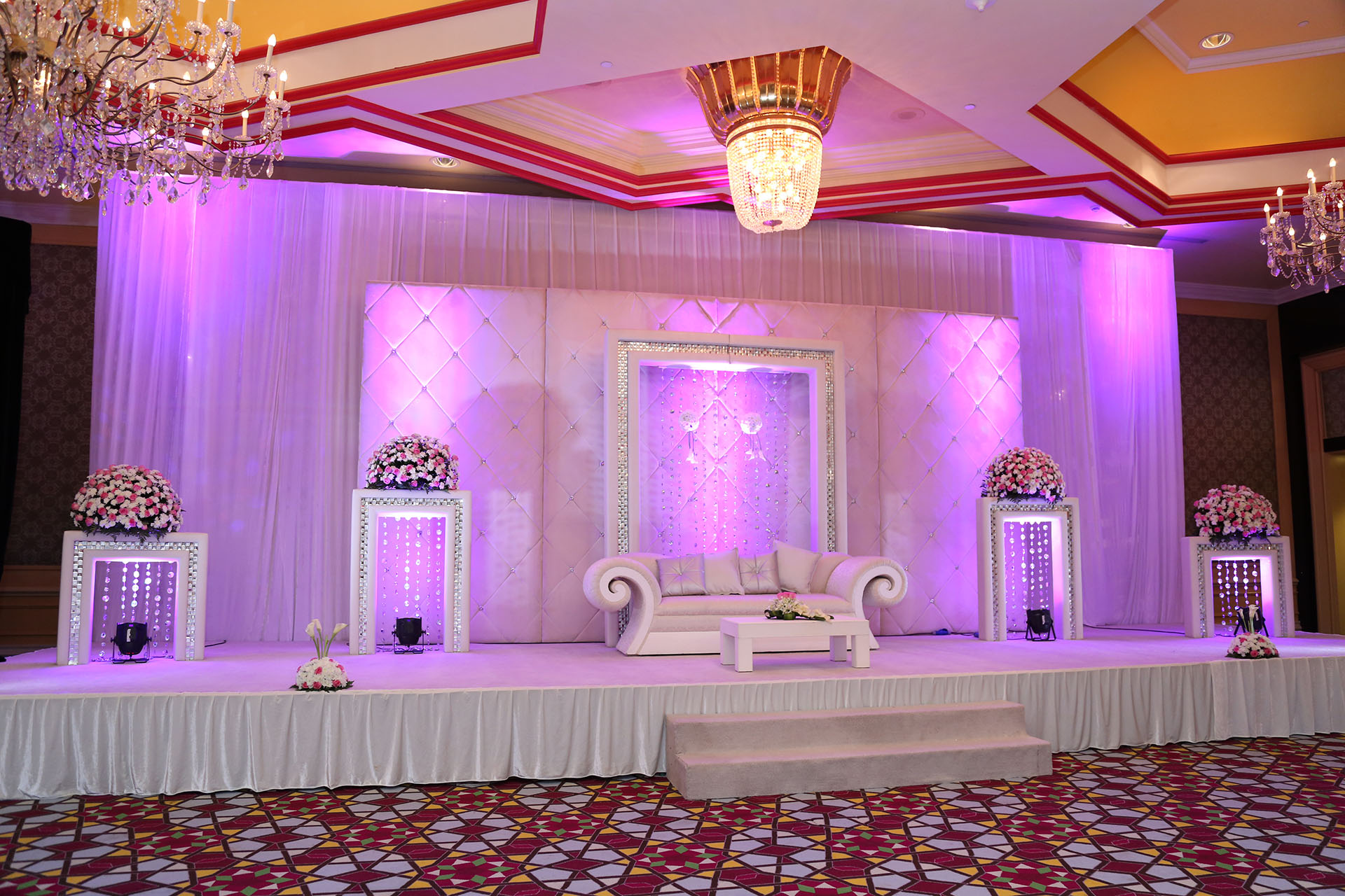 Events sibonne qatar wedding stage decorations is an impo ant aspect in the entire celebrations of marriage ceremony junglespirit Image collections